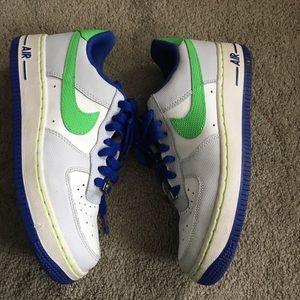 Nike Air af-1 '82 shoes boys 5.5y EUC
